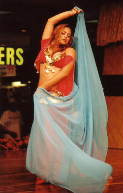 Belly dancer Sahari from Connecticut