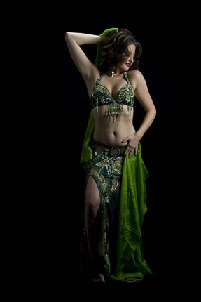 Belly dancer Serafina